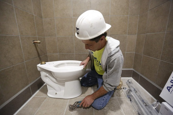 commercial toilet repair